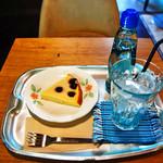 モモガルテン - ラムネのケーキセット