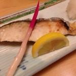 寿司割烹 権太郎 - サワラの塩焼き