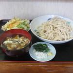 不動 - 「柳久保小麦/肉汁/天ぷら付」です。