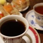 パピリオ - 料理写真:アメリカン(400円)とミルクティー(380円)