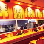 博多ラーメン 田中 - 店内カウンター席