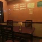 広島風お好み焼 楓 - テーブル席
