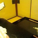 38279099 - お部屋は畳敷き、スリッパを履いて入室
