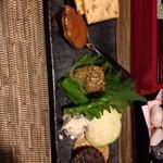 酒縁蕎亭 渉の盃 - 晩酌セット2品目 味噌2種とわさび漬けクリームチーズ和え