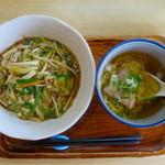 ラーメン亭 あおい - ピリ辛ご飯のセット