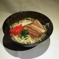 中村商店 - 三枚肉そば   600円~