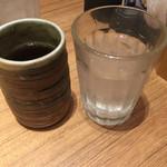 一汁五穀 - 水とお茶、両方くれる