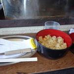 38289559 - 牡蠣の炊き込みご飯とお吸い物付き