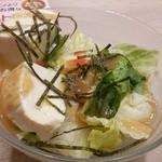 38289579 - 寄せ豆腐の和風ミニサラダ249円