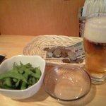 月島 鶴ちゃん - 枝豆と生ビール