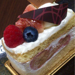 フランス菓子 アン・ファミーユ - 料理写真:イチジクとバナナのケーキ