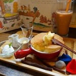 絵本と珈琲 ペンネンネネム green - ぐりぐらホットケーキ