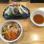38298275 - 野菜天ぷら小うどん税別¥980!