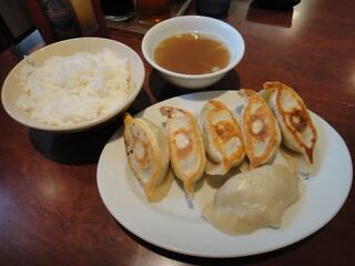 餃子のハルピン - ニラ餃子セット