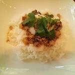 ルーメ - ランチ:ガパオ(チキンのバジル炒め)ライス