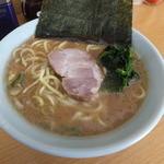 栄家 - 料理写真:ラーメン650円
