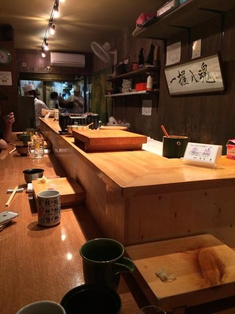 秀徳 2号店 - 1階:カウンター11席