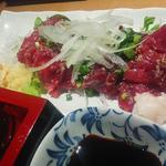 38307483 - 確か熊本から仕入れてる馬刺で、この溜まり醤油との相性が抜群 旨い!