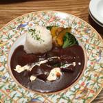まちかどマルシェ Norakuro -  牛タンシチュー・バターライスに焼き野菜を添えて