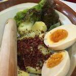 串カツ田中 - ポテトサラダ お好きなとこまで混ぜ混ぜできます