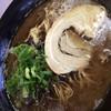 円陣 - 料理写真:黒ラーメン