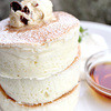 Bansaidosutoritokafe - 料理写真:ホワイトスフレパンケーキ