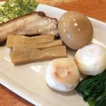 麺や来味 - 別盛りの具材
