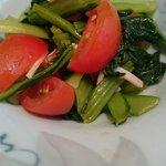 弓 - 今日の小鉢 トマトと小松菜