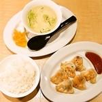 麺家 えびす - 餃子定食