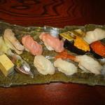 おすし家のいらぶ - 料理写真:特上にぎり(2500円)