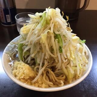 豚星。 - 小ラーメン(野菜・ニンニク¥700)5/25/2015