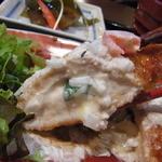 カフェギャラリー柚 - サクッと揚がった衣に包まれた柔らかな鶏肉