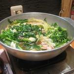 元祖 もつ鍋 楽天地  - いい匂いが漂います。