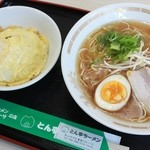 とん亭ラーメン - 料理写真: