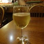 ワイン食堂タパタパ - グラスワイン白