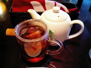 Orientaldining蓮 - 今月の中国茶より、マンゴーとピーチブレンドのセイロンティー