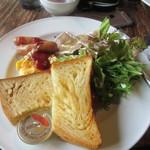 Cafe La Ruche - メインに料理はワンプレートに乗って運ばれてきました。