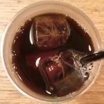 ビステッカ - ≪'15/05/23撮影≫ハーブ三元豚のローストポークと名物ラザニアのセット 1000円 のアイスコーヒー