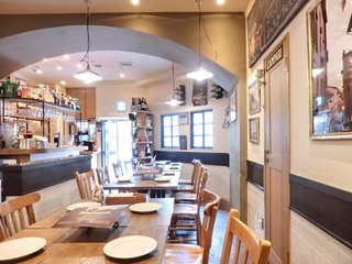 ビステッカ 赤坂店 - ≪'15/05/23撮影≫店内のテーブル席の風景です