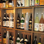 宇奈とと - 内観写真:自慢のお酒!!焼酎、日本酒、梅酒合わせて50種類以上!!(池袋店店内)
