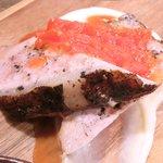 ビステッカ - ≪'15/05/23撮影≫ハーブ三元豚のローストポークと名物ラザニアのセット 1000円 のハーブ三元豚のローストポーク
