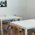 Ken Roku - 落ち着いた空間のテーブル席。