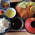 ドライブインやまだ - ヒレカツ定食(¥1200)
