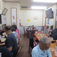 大雄 - 店内テーブル席16名 カウンター席4名