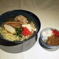 中村商店 - ムラショウそば(三枚肉、てびち、ゆしとうふ、ミニカレー)900円