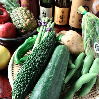 旬の新鮮食材を使用した多彩なメニュー