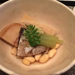 白樺 - 炊き合わせは春告魚(ニシン)と大豆旨煮
