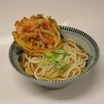 徳光パーキングエリア(下り線)スナックコーナー - 料理写真:徳光うどん 600円  かき揚げの香ばしさがなんとも言えずに食欲をそそる逸品です。