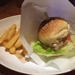 BAR A-DAY  - チーズバーガー  昨夜の夕飯…うまいんだよ,ここの(^^)