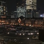 ウエストパークカフェ - 店内から見える東京駅の夜景